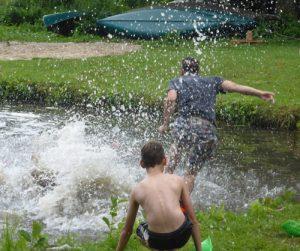 Menschen im Wasser
